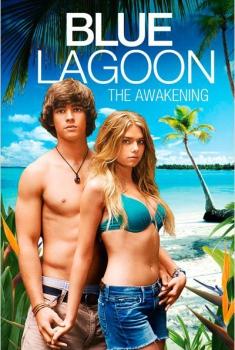 El lago azul: El despertar (2012)